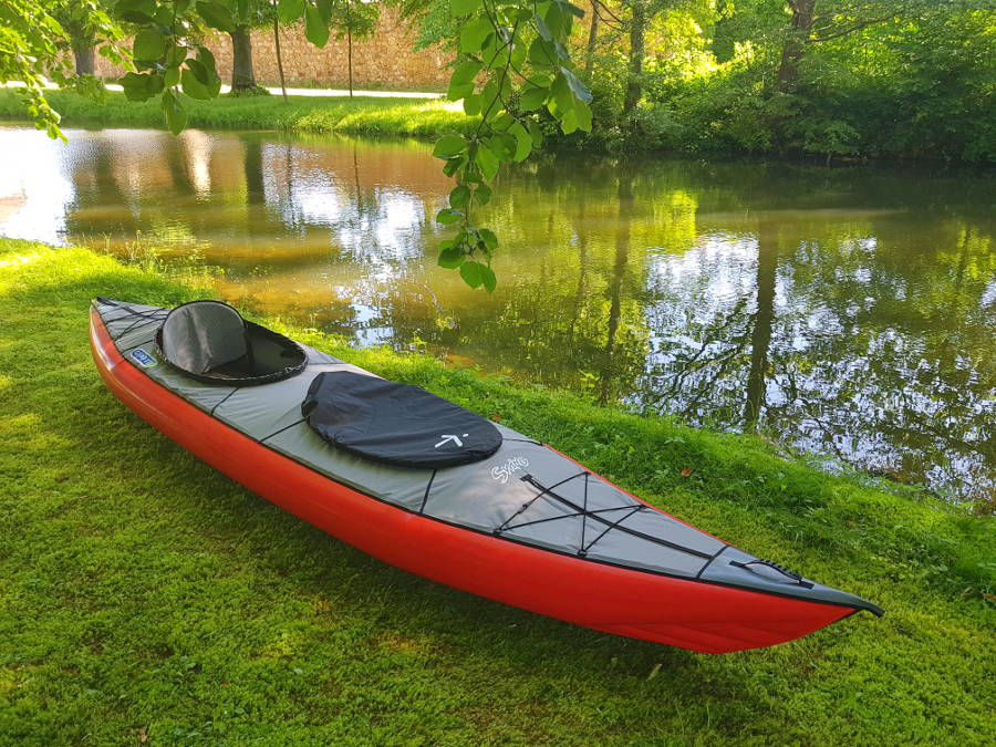 closed deck kayak